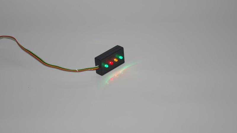 Sygnalizator diodowy włączonych świateł